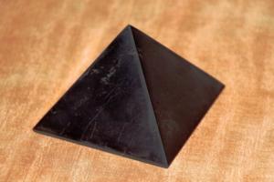 Piramide shungite