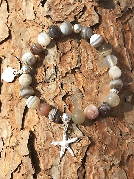 Bracciale in agata bootswana con stella e cuore in argento 925