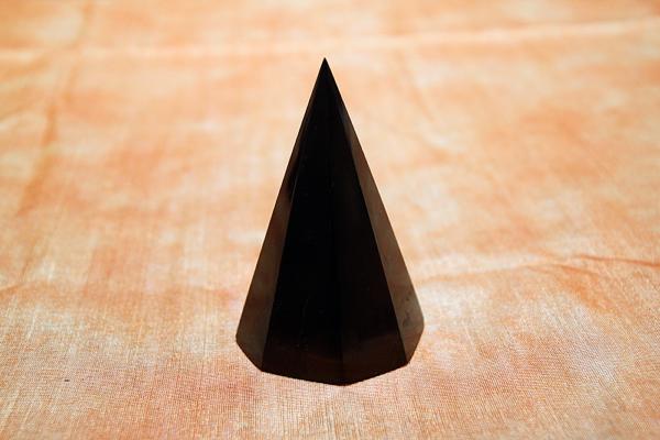 Piramide Shungite isoscele ottagonale